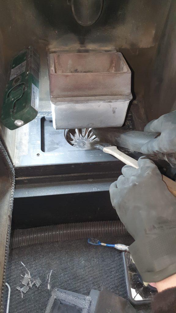 Nettoyage poêle à granulés